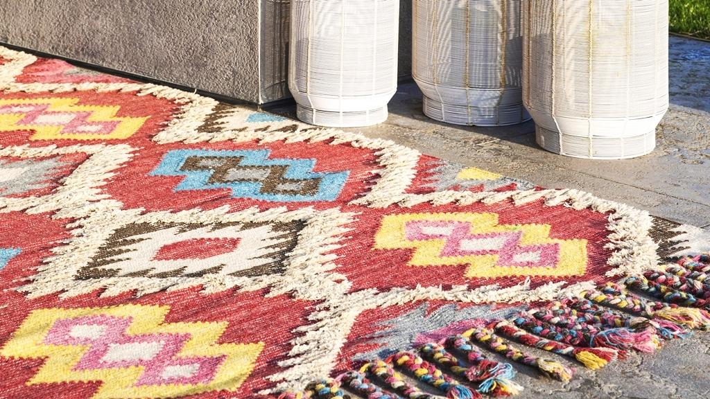Lee más sobre el artículo Las alfombras también son para el verano