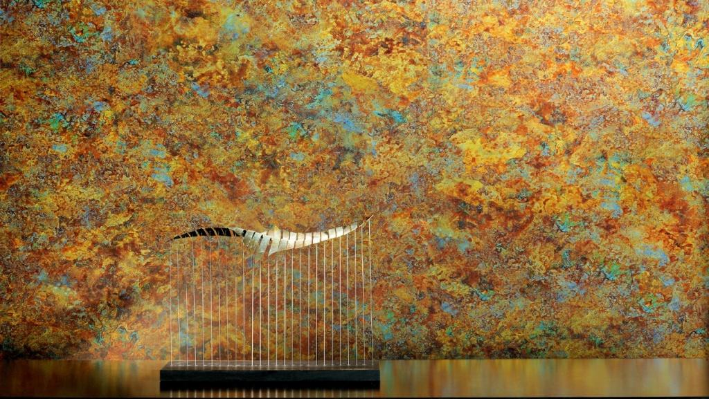 Papel pintado de efecto metalizado